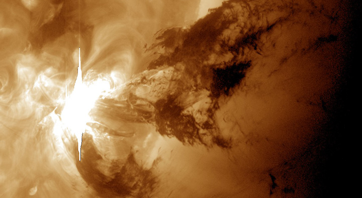 A spectacular solar flare as seen by the NASA's Solar Dynamics Observatory in the 193 Ångström wavelength.